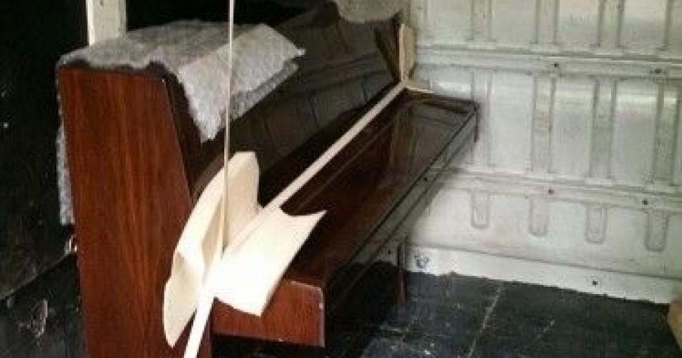 Selidbe pianina (uspravnih klavira) uz kompletnu zaštitu od grebanja